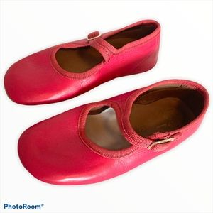 $120 Flora and henri by Pepe shoes Italian made 30